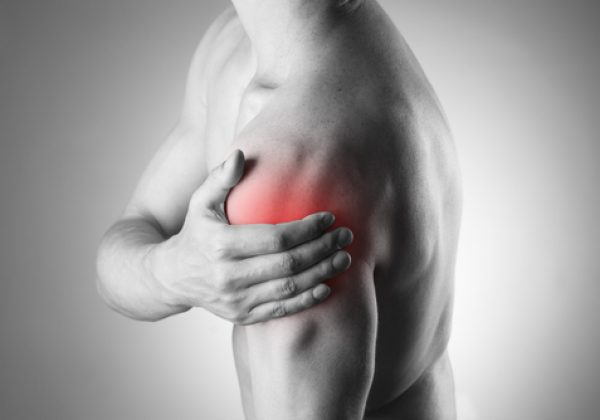 פריקת כתף: 3 תסמינים, אבחון וטיפול